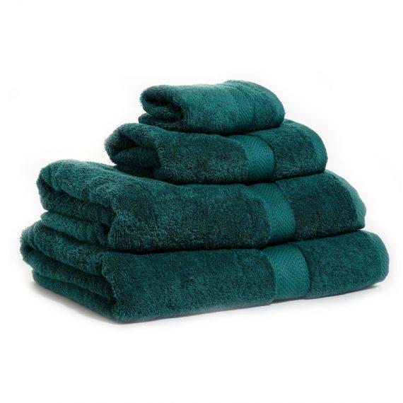 Mörkgrön handduk med namn