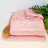 Mellanrosa handduk med namn